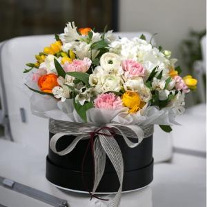 축하하고 싶은 날, 달콤한 케익을 꽃과 함께 전하세요!
