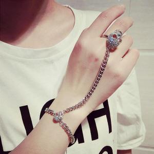 Skulls Ring Bracelet