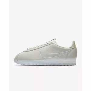 Women's Shoe Nike Classic Cortez