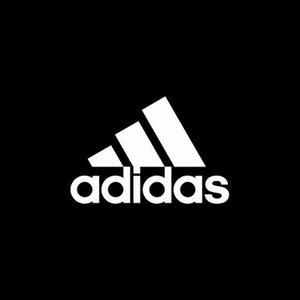アディダス adidas ブラックフライデーセール:最大50%オフ