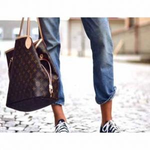 Extra 15% off select Louis Vuitton Handbags @Bluefly