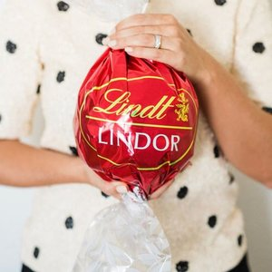 Up to 50% off select gifts @ Lindt Chocolate