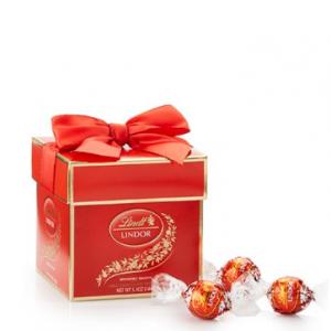 Milk Chocolate LINDOR Gift Box (12-pc)