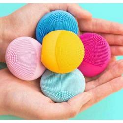 $20 For FOREO LUNA™ play @ Sephora