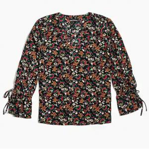 Printed bow-sleeve top