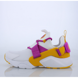 Nike Air Huarache, adidas Originals NMD and More Women's Sports Shoes on Sale @Lady Foot Locker