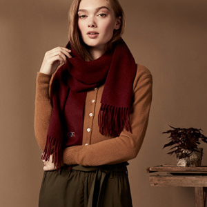 Up to 75% off Women's Hats, Scarves, and Gloves @ Century 21 Department Stores