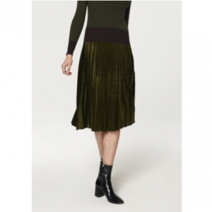Paisie Pleated Velvet Skirt in Green