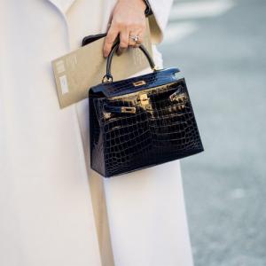 Chanel, Hermes, Louis Vuitton and More Women's Handbags on Sale @Vestiaire Collective