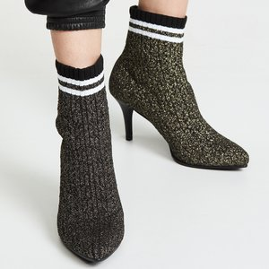 Up to 70% off Stuart Weitzman shoes @Saks Off 5th
