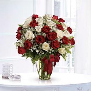 Love's Divine Bouquet - Long Stemmed Roses Standard