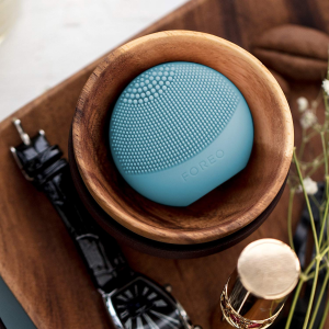 $10 off FOREO LUNA play plus @ Amazon