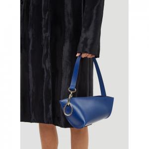 VENCZEL Twisted Shoulder Bag in Blue