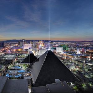 MGM Resorts - 拉斯维加斯卢克索酒店-3星级,回头客8折