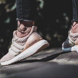 WOMEN'S RUNNING Ultraboost Shoes