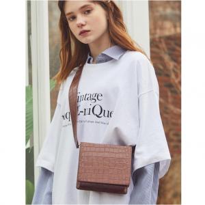RYUL + WAI: Brown 2 Strap Square Mini Bag_Roa Bag