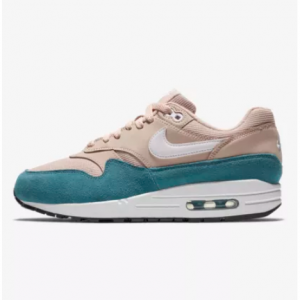 Women's Shoe Nike Air Max 1