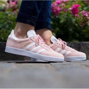 阿迪 adidas Gazelle 鹿皮女鞋 粉色白色三道杠