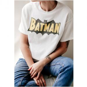 UO T恤
