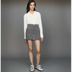 Short houndstooth skirt