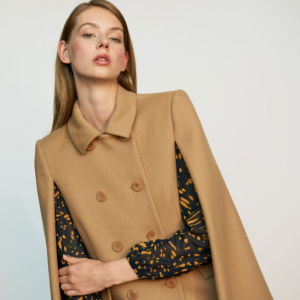 Cape-coat in virgin wool