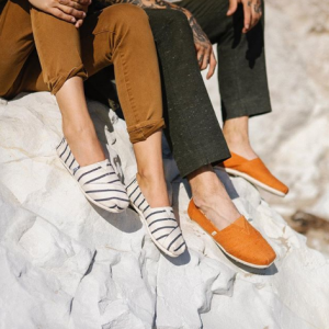 Sitewide Sale @ TOMS