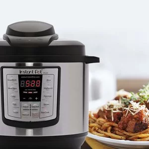 Instant Pot LUX60 V3 六合一6誇脫多功能電壓 @ Amazon