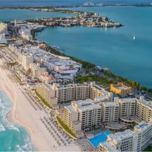 Summer Vacation - Get up to $1500 in Resort Credits with Cancun Escape @Expedia