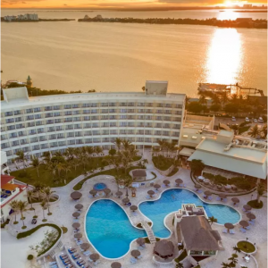 Grand Park Royal Luxury Resort Cancun - Kids Stay 2x1 @Expedia