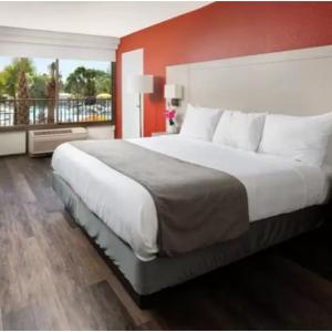 Hotels.com -  奧蘭多阿凡提棕櫚度假村$84起,3.5星