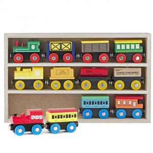 Play22 兒童木質磁性小火車套裝,12個 @ Amazon