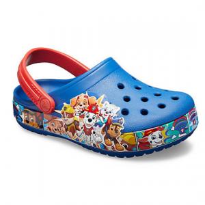 儿童洞洞鞋、凉鞋热卖 @ Crocs