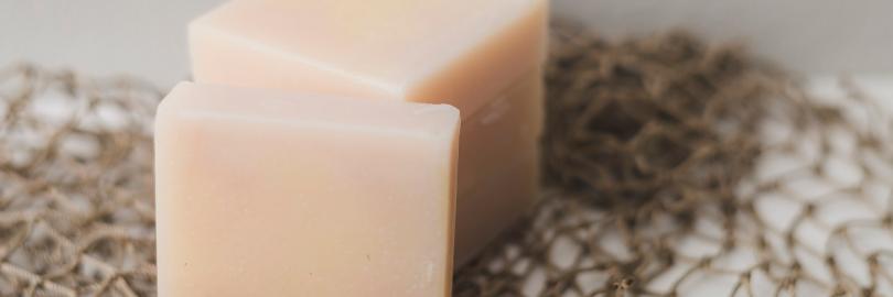 7 Best Natural Organic Facial Bar Soaps for Dry & Sensitive Skin