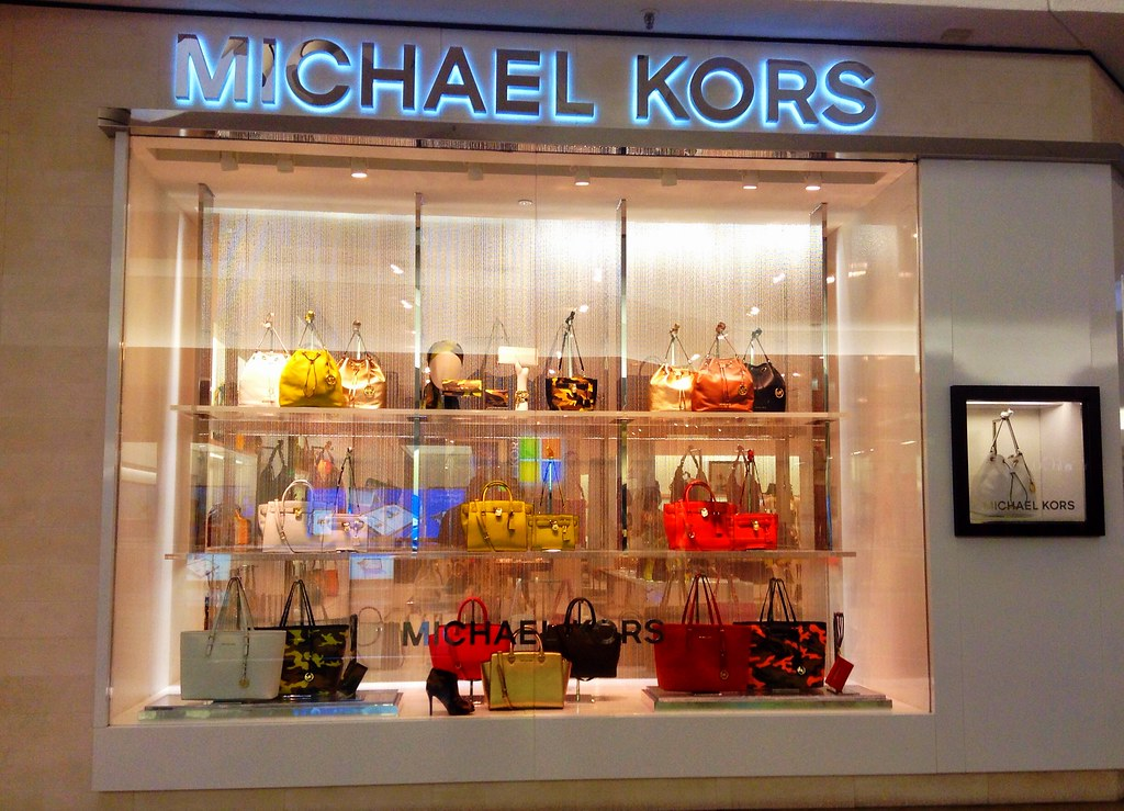 An Ultimate Guide to Michael Kors 5% Cashback and Limits